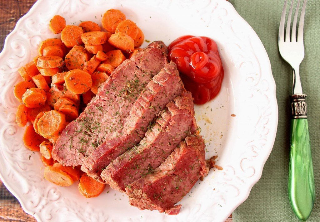 Slow Cooker Corned beef and Carrots Recips