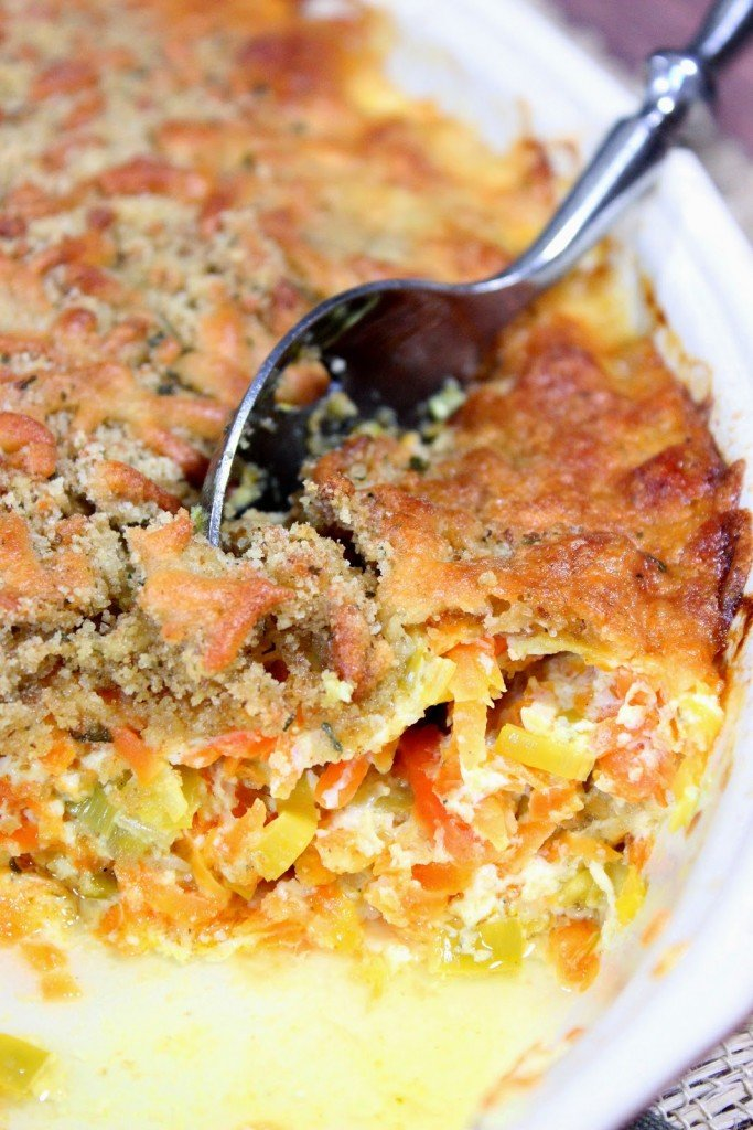 https://www.kudoskitchenbyrenee.com///2015/03/carrot-and-leek-gratin-plus-cookbook-giveaway.html