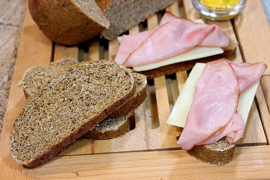 Homemade rye bread with dill is hearty and delicious for sandwich making or toasting. www.kudoskitchenbyrenee.com