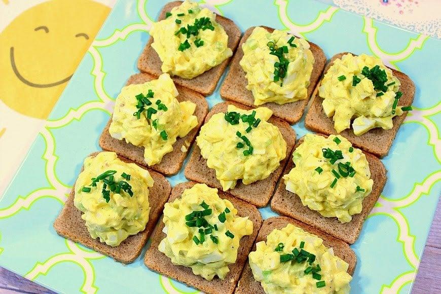 Easy Creamy Egg Salad Canapés - www.kudoskitchenbyrenee.com