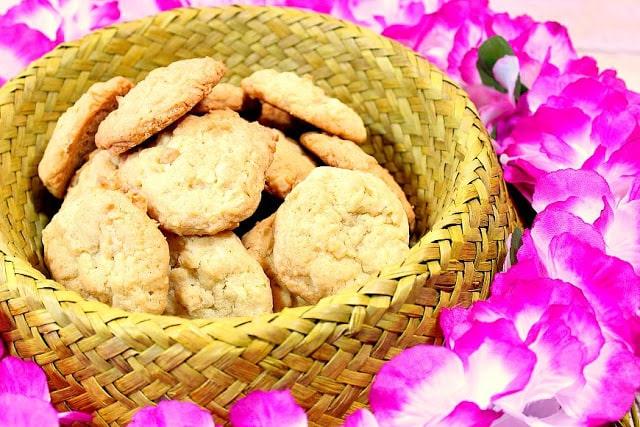 Coconut Macadamia Nut Cookies