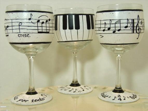 piano music wine glasses