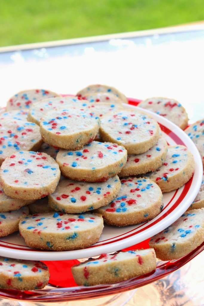 Patriotic Cream Cheese Cookies are light, tender and delicious. With only a handful of ingredients, you can adapt these cookies to fit any number of holidays! - kudoskitchenbyrenee.com