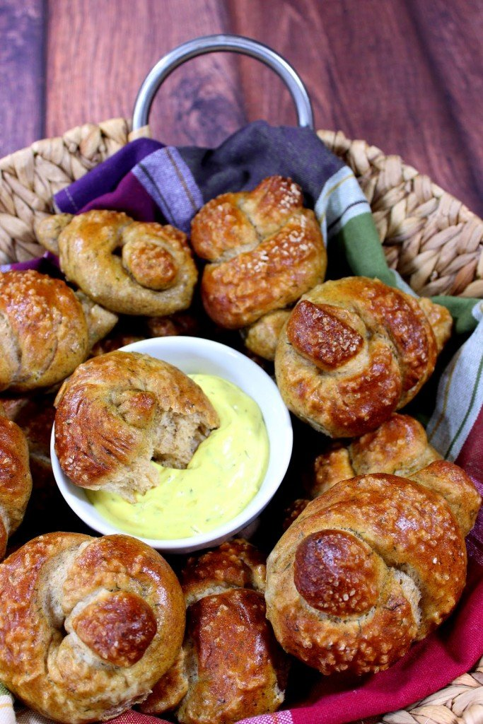 Homemade soft pretzel knots just got a whole lot tastier with the addition of whole wheat flour, beer and dill weed. What's KNOT to love?