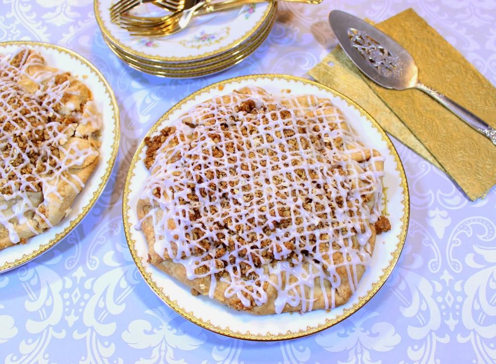 https://www.kudoskitchenbyrenee.com///2015/04/apple-crumble-crostata.html
