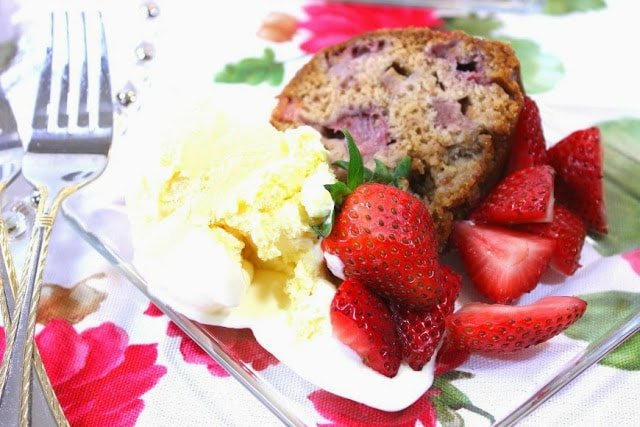 Old Fashioned Strawberry Rhubarb Bundt Cake