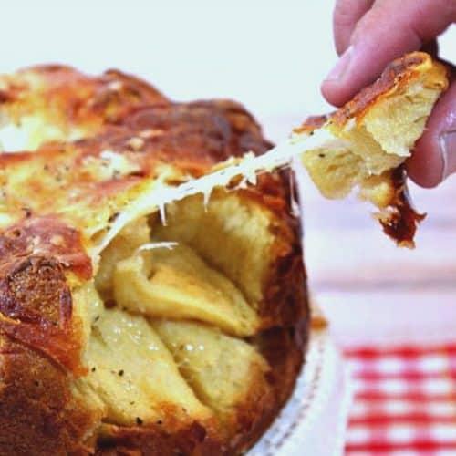 How to make cheesy garlic monkey bread photo tutorial
