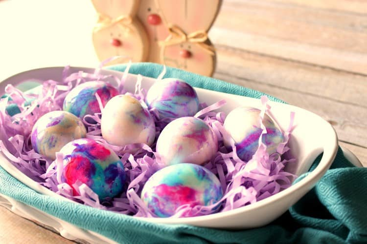 Tie Dye Easter Eggs using Mayonnaise