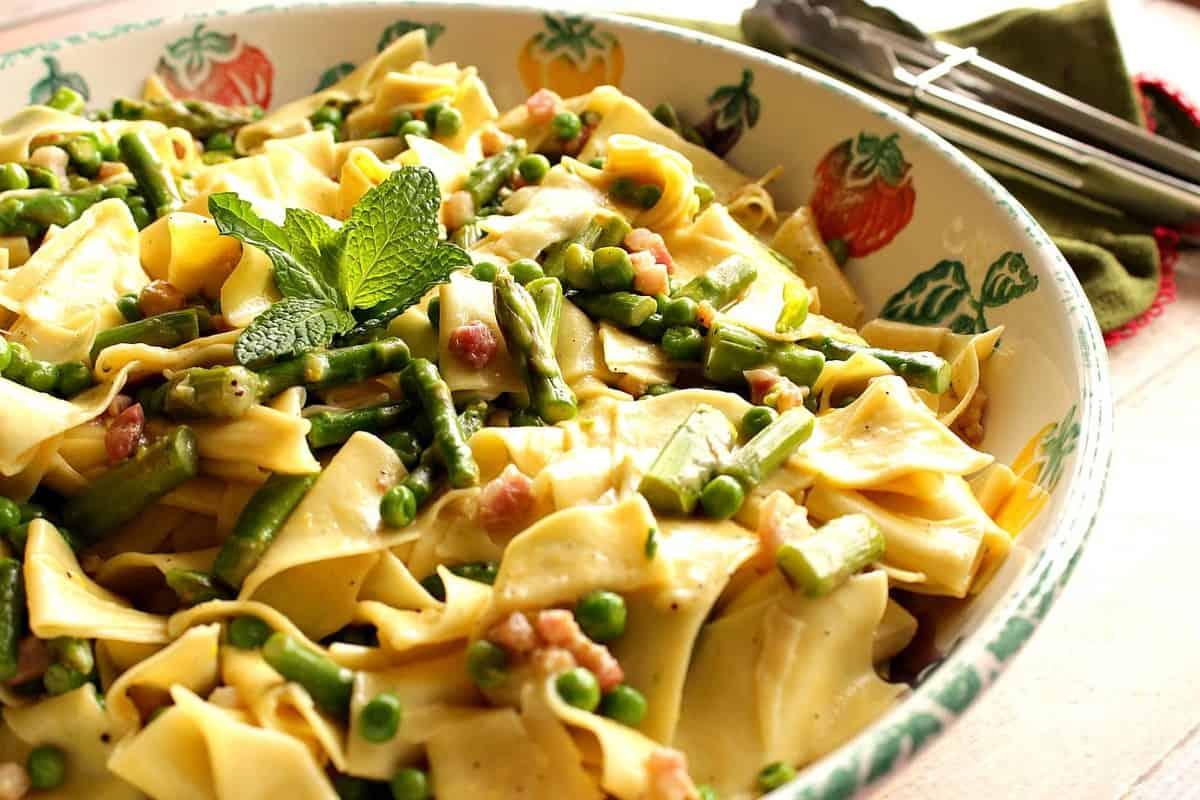 Springtime pasta with peas, asparagus and mint.