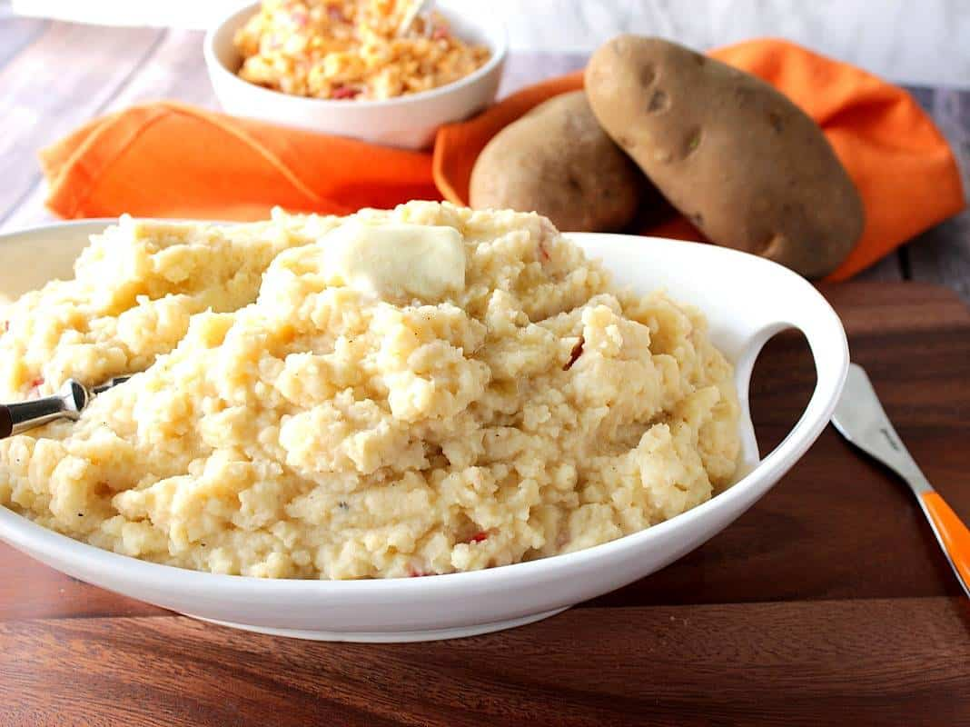 Mashed Potatoes with Pimento Cheese