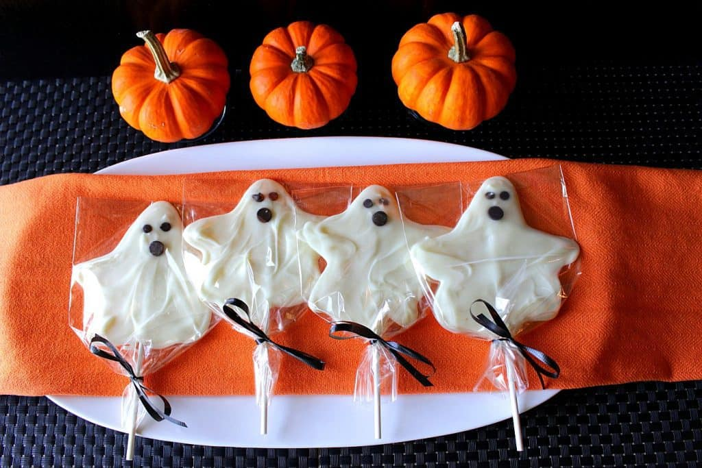 Easy White Chocolate Ghost Pops