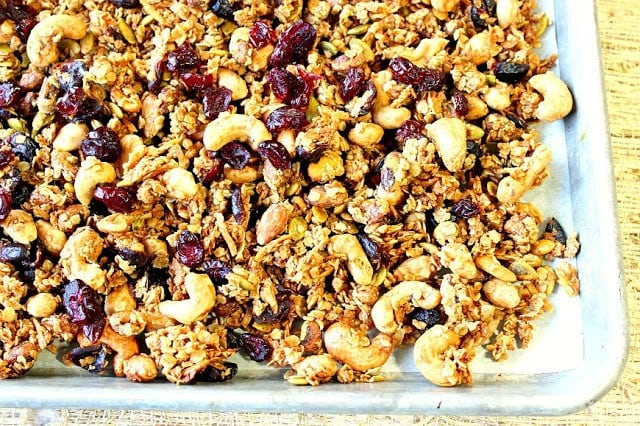 Healthy Nut Lovers Granola