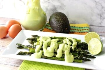 Creamy Avocado Hollandaise Sauce with Oven Roasted Asparagus