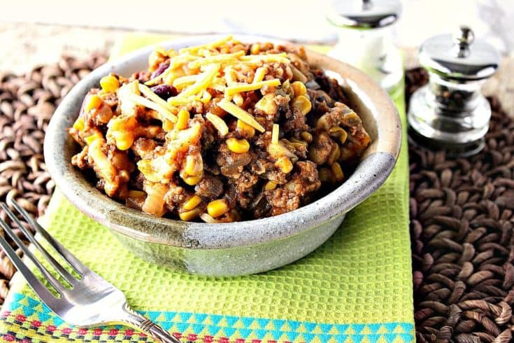 Slow Cooker Chili Mac with Cheddar Cheese