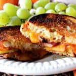 Grilled Cheddar Cheese Sandwich with Caramelized Apples