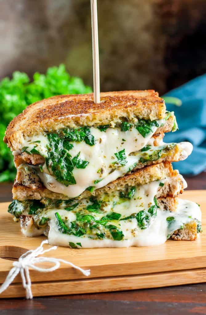 Sandwich Recipe Roundup 2018 for Friday's Featured Foodie Feastings - www.kudoskitchenbyrenee.com