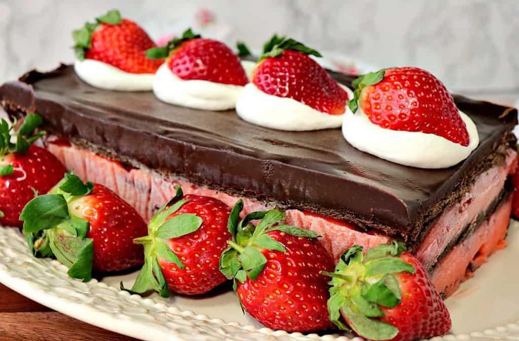 No Bake Layered Chocolate Strawberry Pudding Cake with Whole Strawberries and Whipped Cream - www.kudoskitchenbyrenee.com