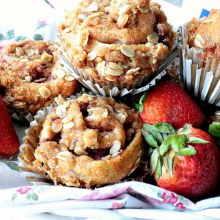 Sweet Streusel Strawberry Crescent Muffins - www.kudoskitchenbyrenee.com