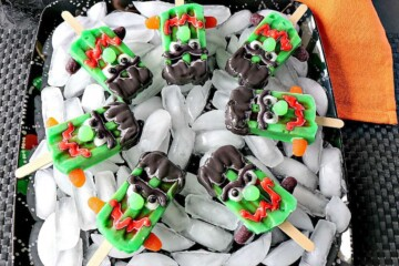 Frozen Frankenstein Pudding Pops - kudoskitchenbyrenee.com