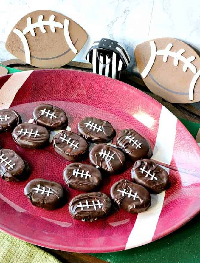 Peanut Butter & Jelly Chocolate Covered Football Crackers - kudoskitchenbyrenee.com